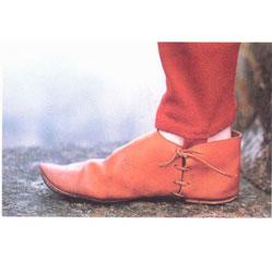 История возникновения обуви: от древности до наших дней