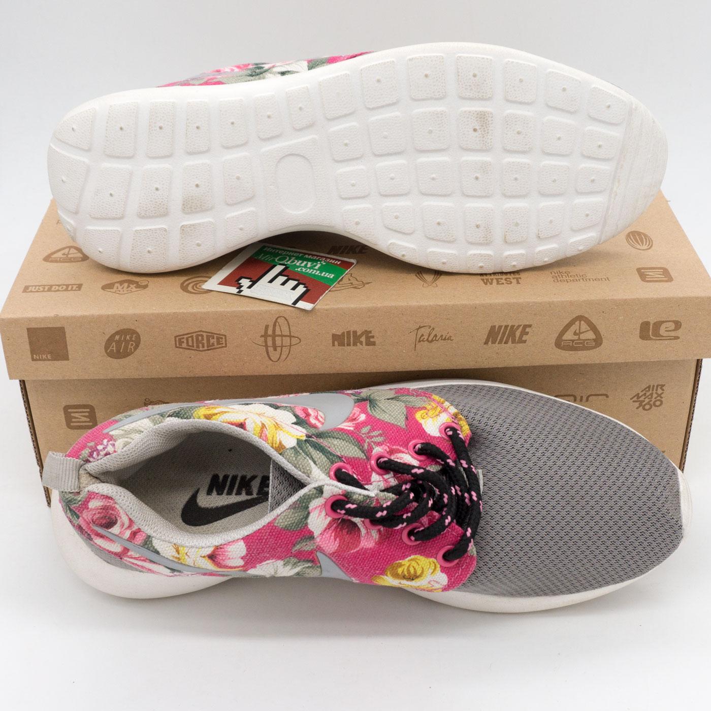 фото bottom Женские кроссовки Nike Roshe Run серые в цветочек bottom
