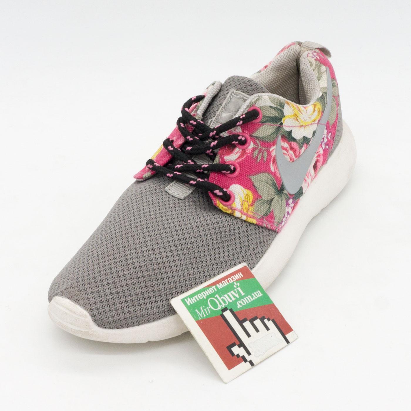 фото front Женские кроссовки Nike Roshe Run серые в цветочек front