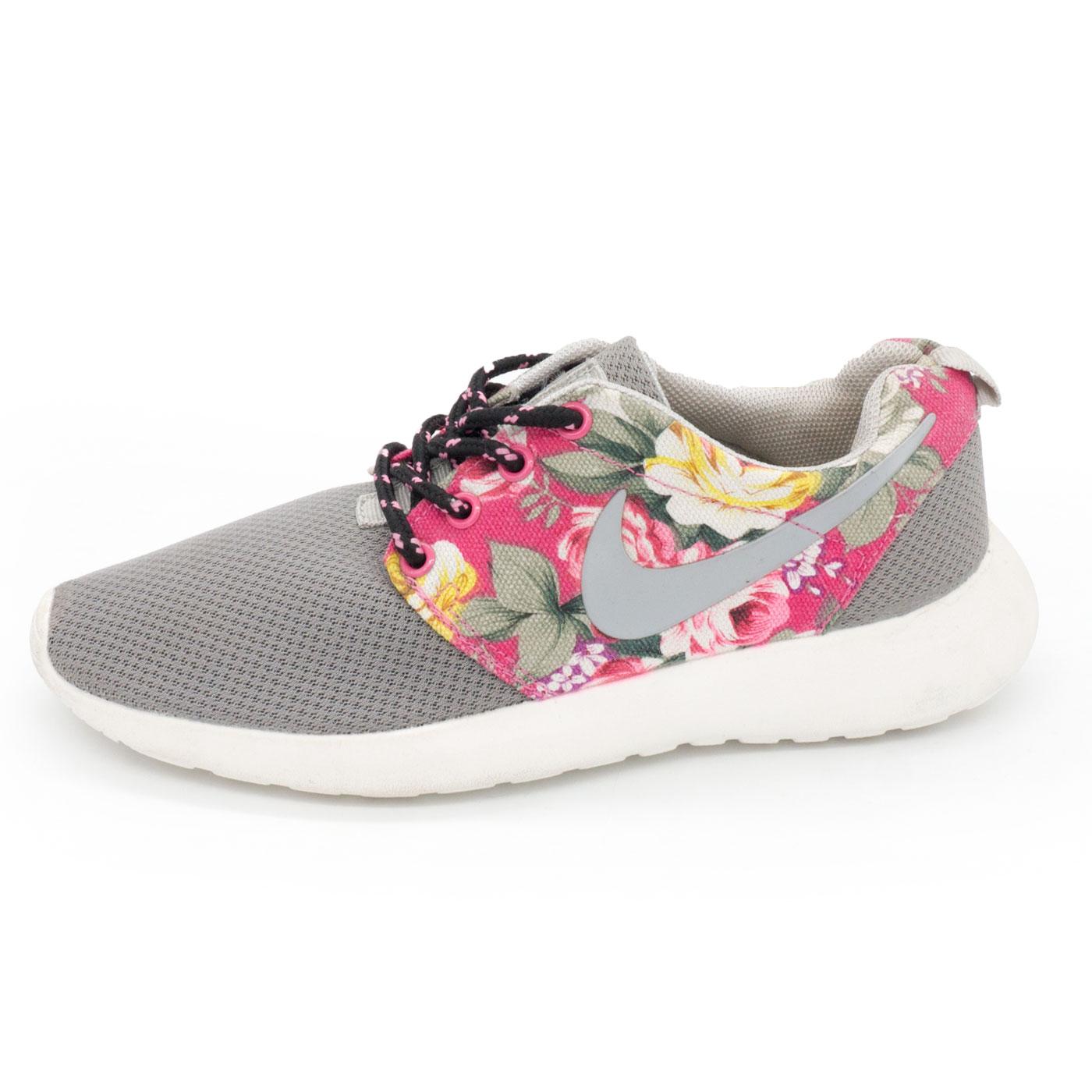 фото main Женские кроссовки Nike Roshe Run серые в цветочек main