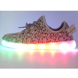 Светящиеся кроссовки Yeezy белые + LED  Симфония