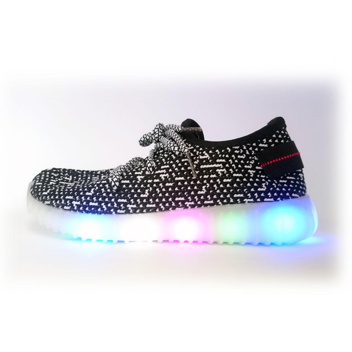 фото main Детские черные светящиеся кроссовки с кнопкой на пятке  main