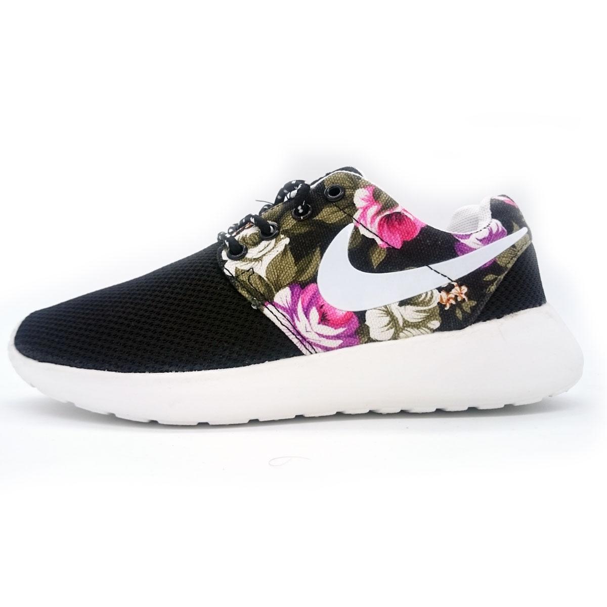 фото main Женские кроссовки Nike Roshe Run черные в цветочек main