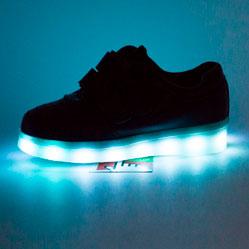 Светящиеся кроссовки Led низкие черные на липучке