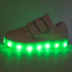 Белые светящиеся кроссовки Led низкие на липучке
