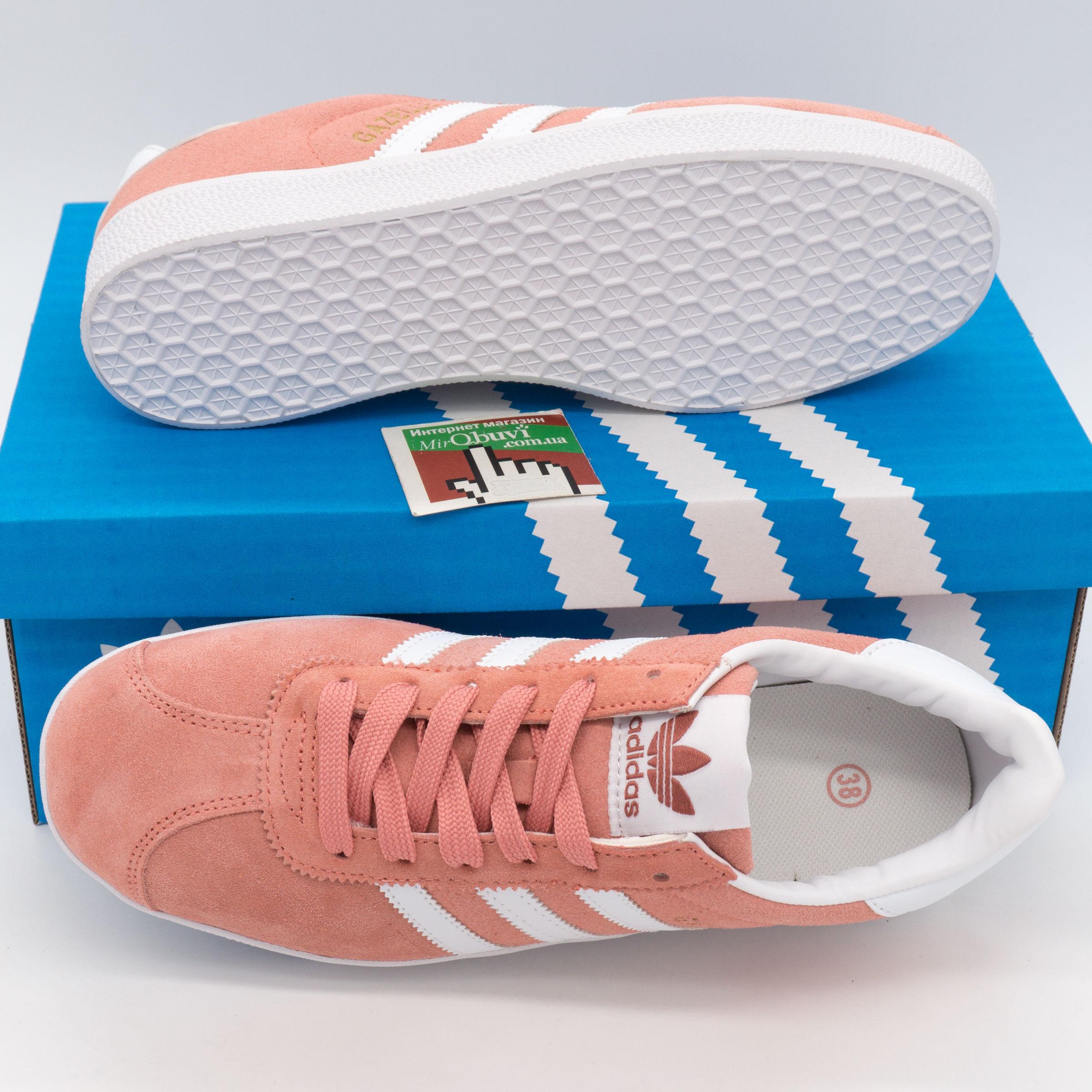 фото bottom Женские кроссовки Adidas Gazelle цвета персик, замша bottom