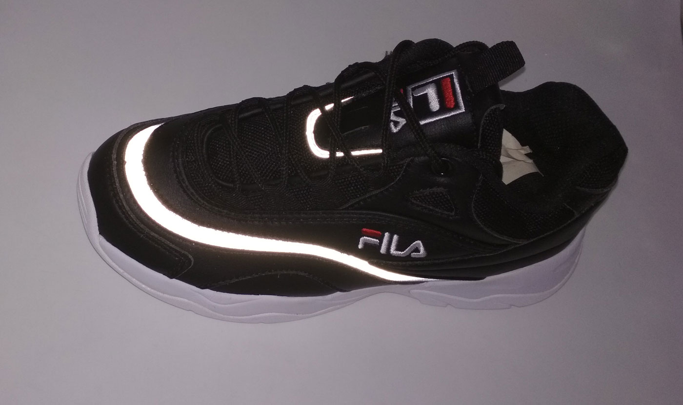 большое фото №5 Женские черные кроссовки FILA Ray. Топ качество!