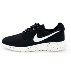Nike Roshe Run черно белые в крапинку.