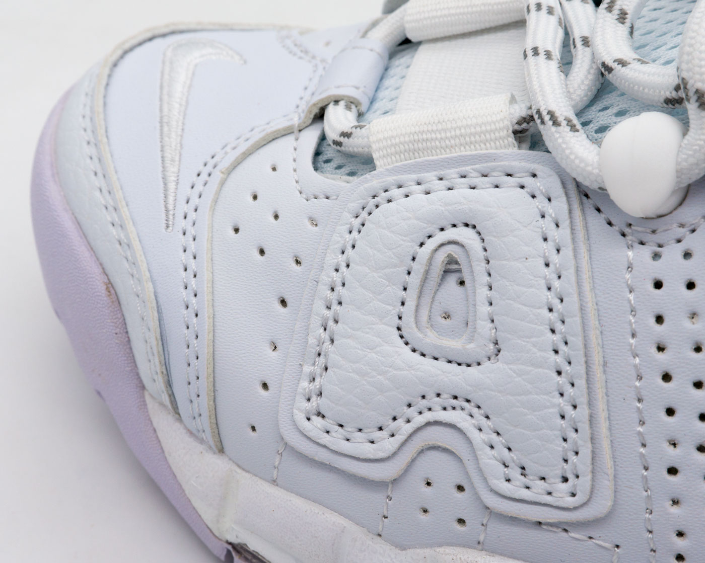 большое фото №5 Кроссовки Nike Air More Uptempo белые. Топ качество!
