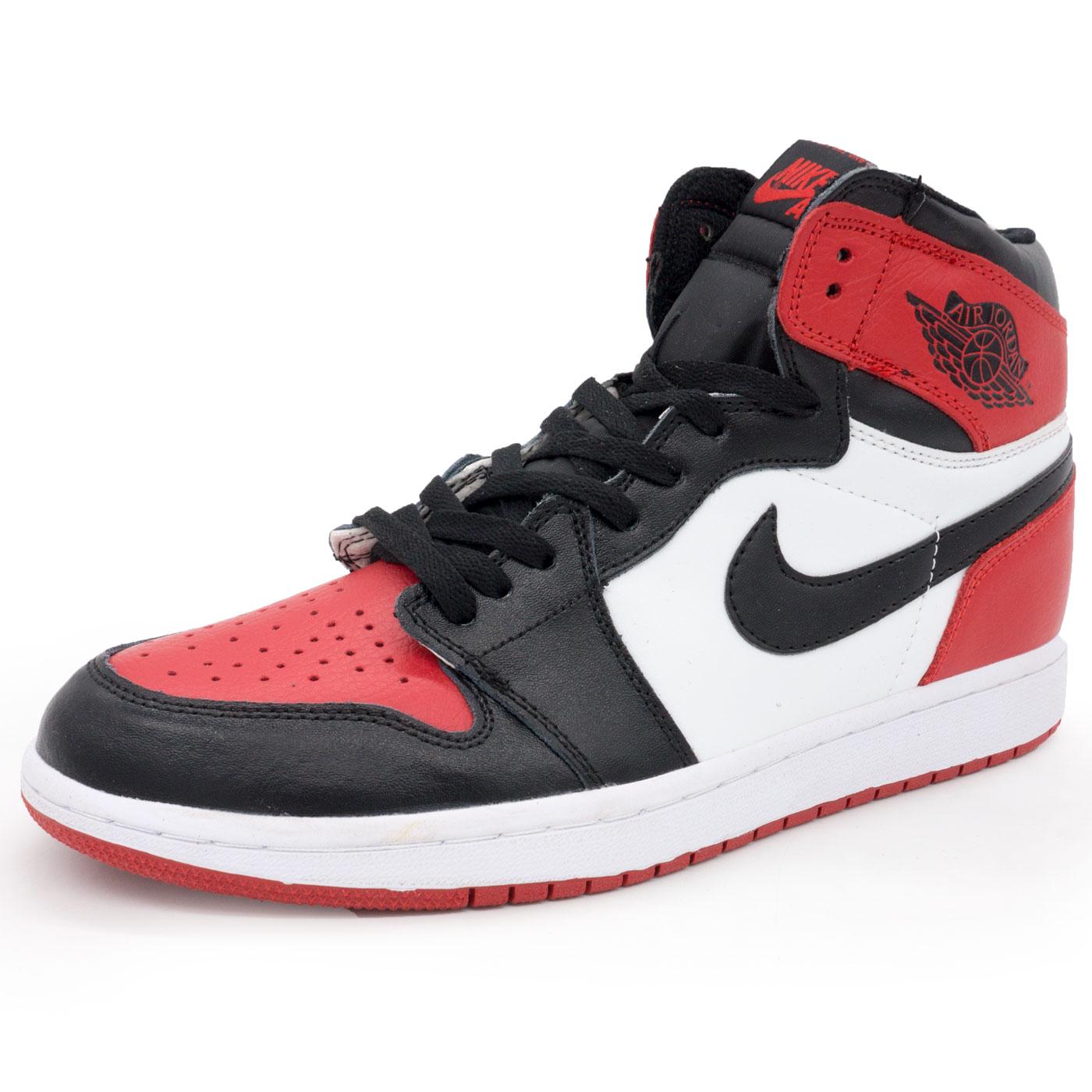 c1880a6a664a Высокие кожаные черные c белым и красным кроссовки Nike Air Jordan 1 ...