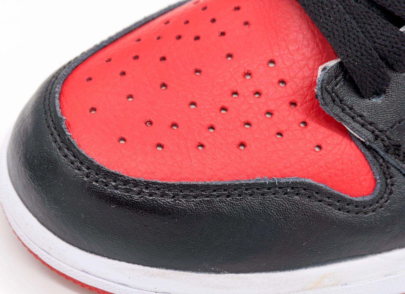 большое фото №5 Высокие белым и красным кроссовки Nike Air Jordan 1. Топ качество!