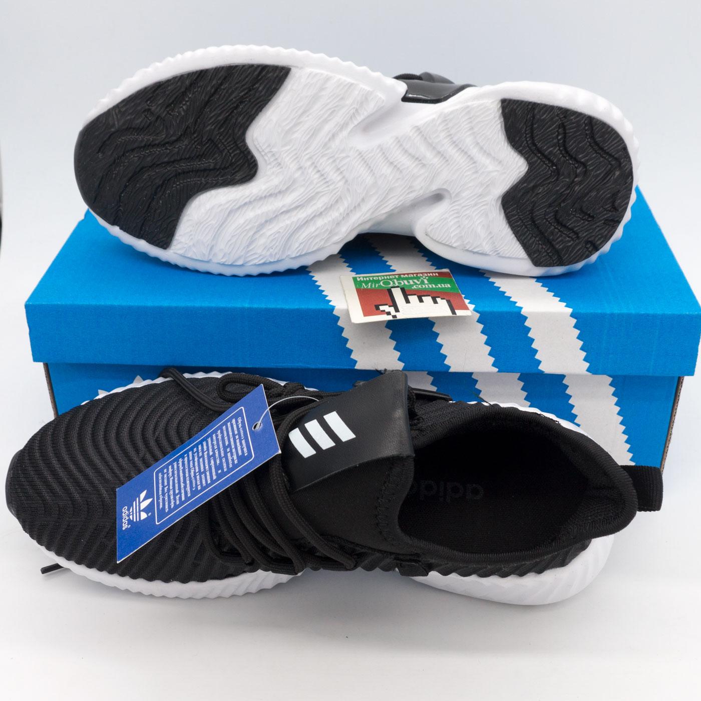фото bottom Женские кроссовки Adidas Alphabounce Instinct черно-белые. bottom