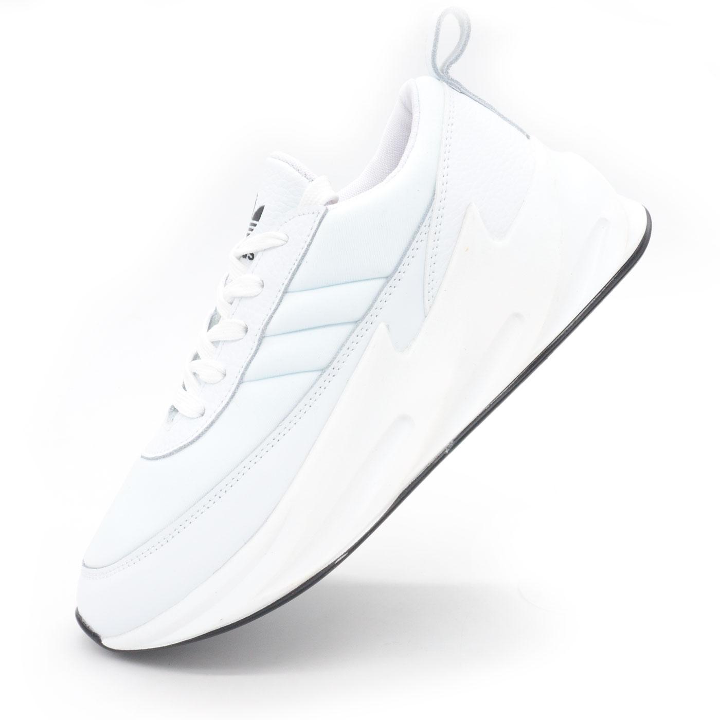фото main Женские кроссовки Adidas Sharks белые. main