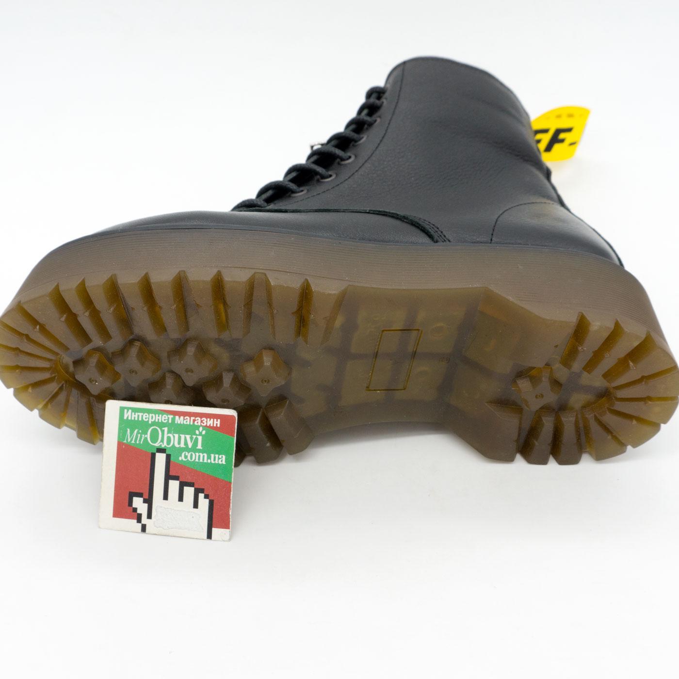 фото back Черные женские кожаные ботинки с мехом на платформе в стиле Dr. Martens back