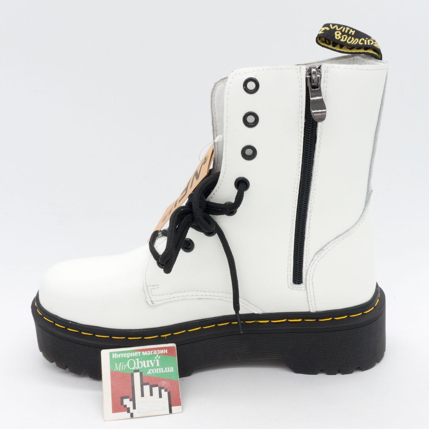 фото front Белые женские ботинки в Dr. Martens на платформе, натуральная кожа - Топ качество! front