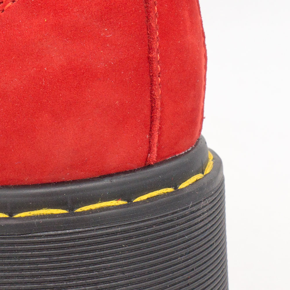 фото bottom Красные женские туфли Dr. Martens на платформе, натуральная замша bottom