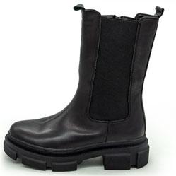 фото Зимние черные женские ботинки в Dr. Martens на платформе - 001