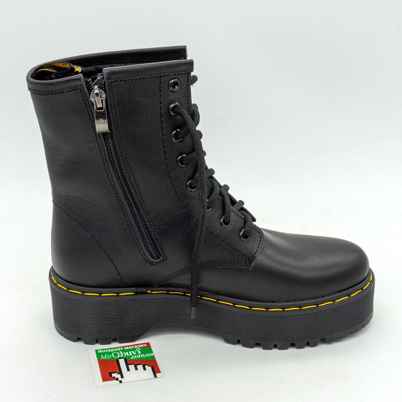 фото front Зимние черные женские ботинки в Dr. Martens на платформе - 003 front