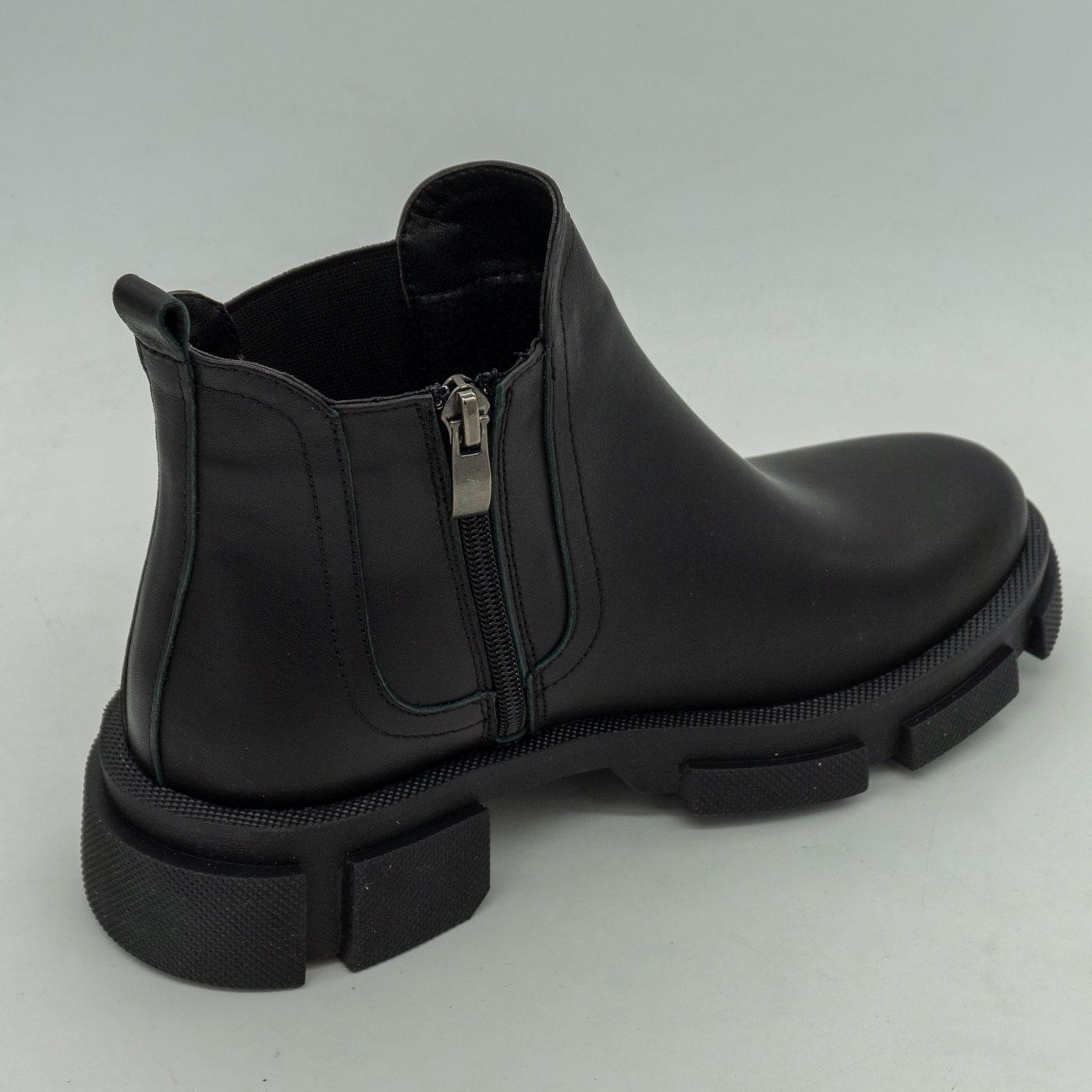 фото front Черные женские туфли Dr. Martens chelsea, натуральная кожа front