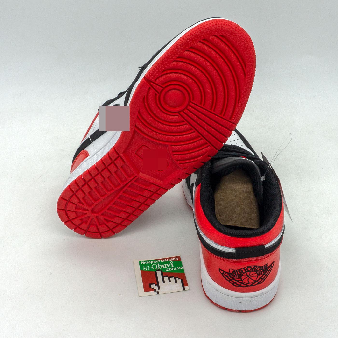 фото back Низкие черные c красным кроссовки Nke Air Jordan 1 back