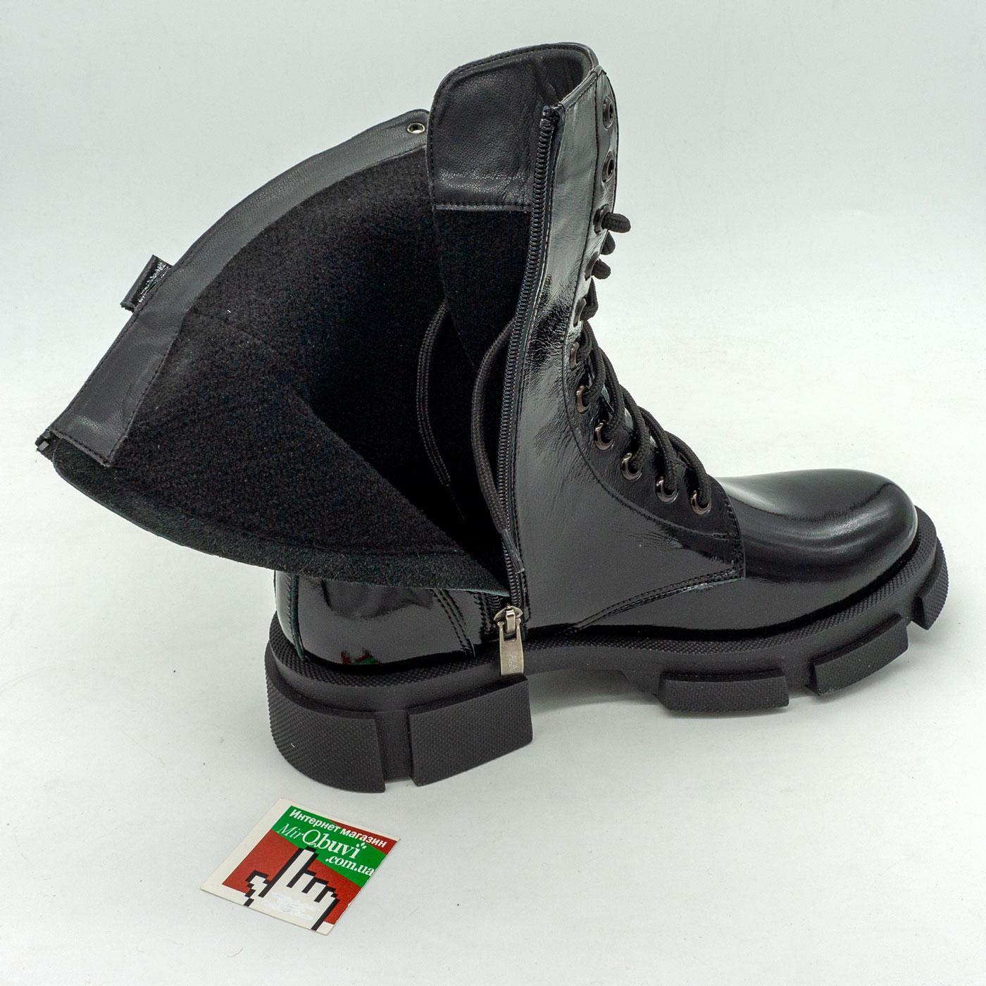 фото front Зимние черные лаковые женские ботинки в Dr. Martens на платформе - 0022 front