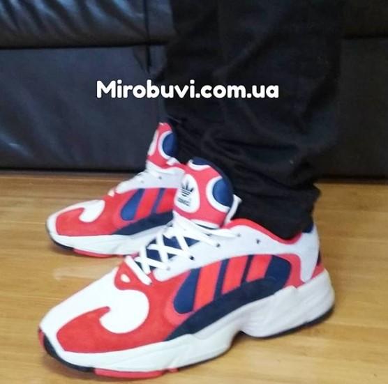 фото - Кроссовки Adidas Yung-1 красные, натуральная замша. Топ качество! на ноге.