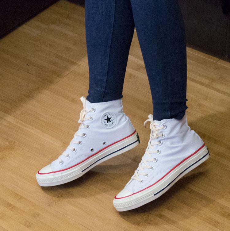 фото - Кеды Converse Chuck 70 высокие бело-бежевые - Топ качество! на ноге.