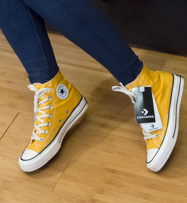 фото - Кеды Converse Chuck 70 высокие горчичные - Топ качество! на ноге.