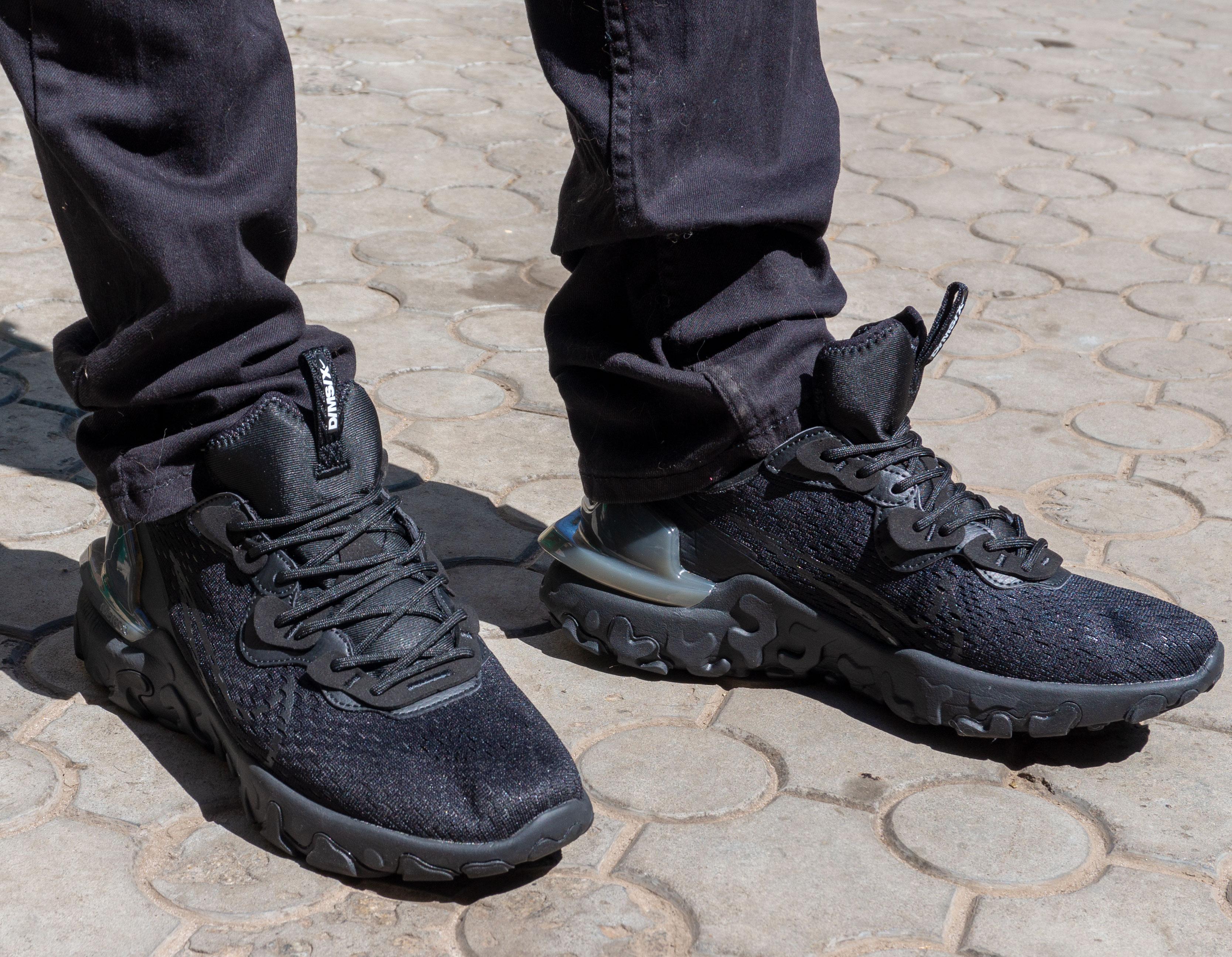 фото - Кроссовки Nike React Vision DimSix полностью черные. Топ качество! на ноге.