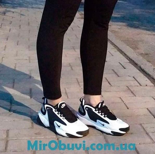фото кроссовок Nike Zoom 2K черные на ноге.