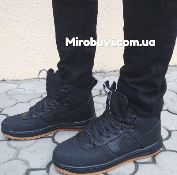 фото - Высокие черные кроссовки Nike Lunar Force 1 Duckboot. Топ качество! на ноге.