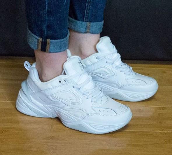 фото - Кроссовки Nike M2K Tekno полностью белые. Топ качество! на ноге.