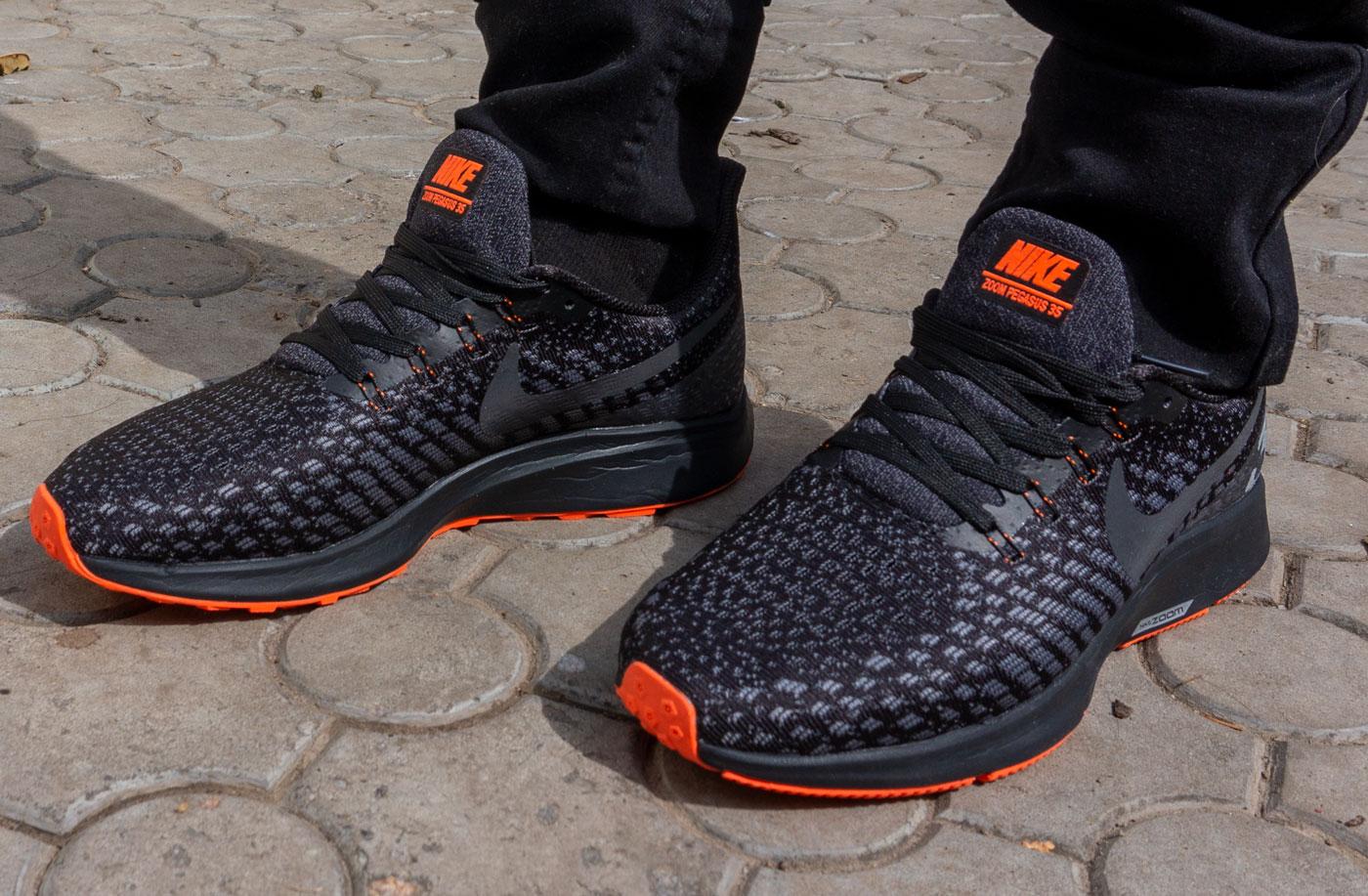 фото - Мужские кроссовки для бега Nike Zoom Pegasus 35 черные. Топ качество! на ноге.
