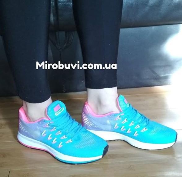 фото - Женские кроссовки для бега Nike Zoom Pegasus 33 голубые. Топ качество! на ноге.